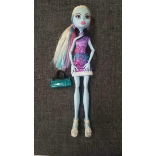 Monster high pop abbey bominabe , scaris